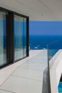 Frameless_Doors_and_Windows_Villa_Golden_Eye