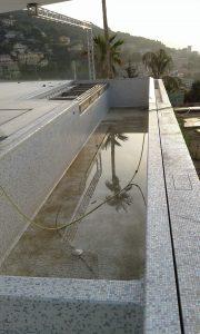 Pool glass platform